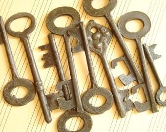 9 skeleton keys, fancy black keys, reproduction vintage style keys, crafts, embellishment, jewelry making, costumes