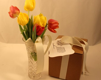Plantable Ready to Grow Tulip Bulb Gift, Pre-potted Tulip Bulb, Nature Lover's Gift, Biodegradable, Eco friendly