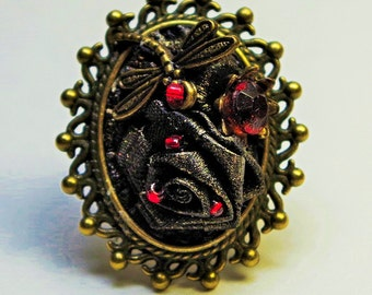 Black antiqued leather Gothic style ring. Steampunk Victorian Jewelry. Victorian ring