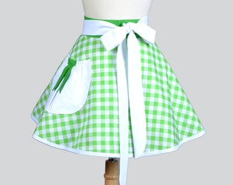 Womens Waist Aprons / Green and White Gingham Large Pocket Vintage Styled Ties and you have a Cute Vintage Inspired Retro Waist Half Apron