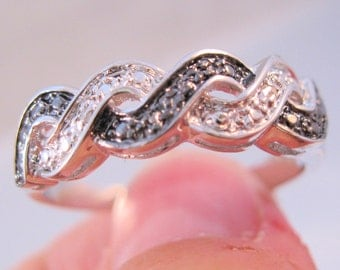 Vintage Wedding Eternity Diamond Chip Band Ring Size 11.5 Unisex Rhodium Plated Two Tone Jewelry Jewellery