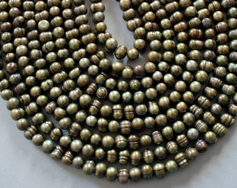 Green Peacock Freshwater Pearl Strand - Length Drilled Full 16 Inch Strand