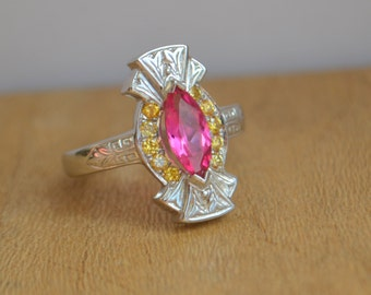 Marquis Shaped Fan Ring with 1 Carat Mahenge Spinel and Natural Peach Yellow Diamonds