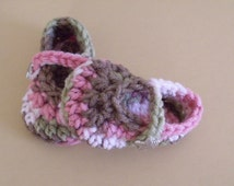 Baby Mary Janes, Infant Shoes, Pink Camo Baby Shoes, Newborn to 12 months