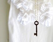 Vintage Skeleton Key Necklace Rustic Key Necklace White Beaded Chain Woodland - Rust in Vintage