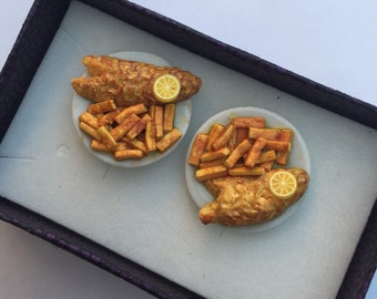 Pair of mens novelty fish and chips cufflinks