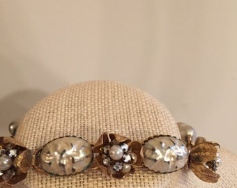 Vintage, 'Pearl', choker necklace. Fab piece.