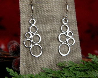 Small joined circles earrings in sterling silver, bubble earrings, geometric earrings, circle earrings, soldered