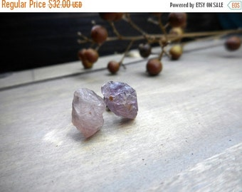 Cotton Candy. Misty & Dusty Pink Rough Raw Spinel stones and titanium post earrings. Rustic simple elegant ear studs