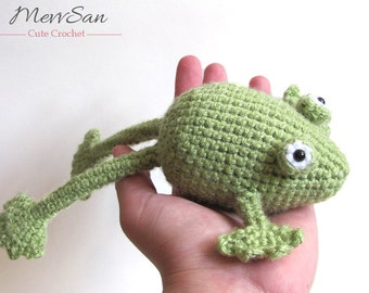 MADE to ORDER - Amigurumi Frog - crochet frog prince, amigurumi toad plush, crochet animal softie, green frog toy, crochet toad
