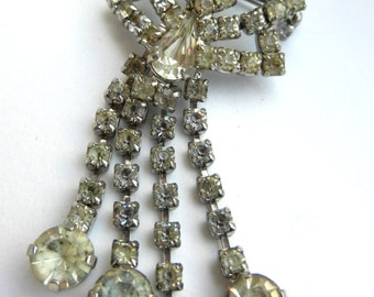 Lovely Brilliance Vintage clear Diamante dangle brooch - 1950 European fringe/ tassel brooch -- art.82-