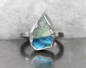 Multicolored Gemstone Silver Ring Raw Blue Topaz Green Hiddenite Rustic Geometric Water Level Drop Statement Rough Crystal - Wasserspiegel
