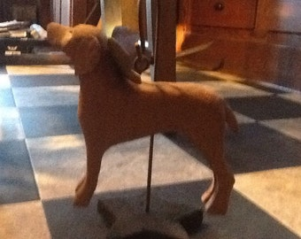 Vizsla carved from wood