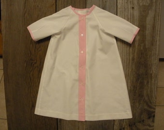 Infant daygown in cotton lawn with gingham trim