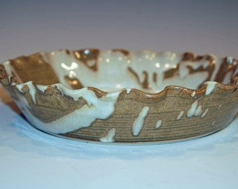Pottery, Pie Plates, Kitchen and Dining, White and Gold, Bakeware, Home and Living, Ceramic Pie Pan, Pie dish, Ceramics and Pottery