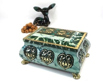vintage 60s green tin chest storage container litho repousse can canister home decor decorative slk gold hearts feet footed trunk rectangle