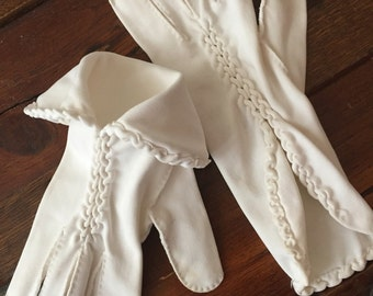 Vintage 1970s White Wedding Braided Goddess Gloves - Small