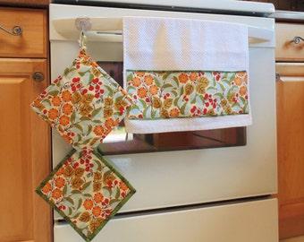 Kitchen Towel and Potholder Set, Floral Kitchen set, Housewarming Set