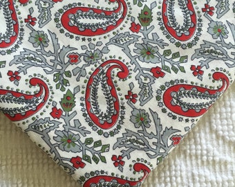 3.11 Yards~ Vintage 1950's Cotton Dressmaking Quilting Fabric Red Gray Paisley Print