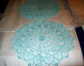 Set of 2 round doilies in Sea Mist thread
