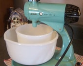 Valentines SALE Mid Century Turquoise Sunbeam Mixmaster, Stand MIXER,  Works Great, 12 spds
