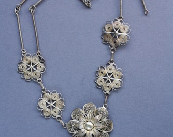 Unique Vintage Silver Plated Filigree Flower Necklace 16""