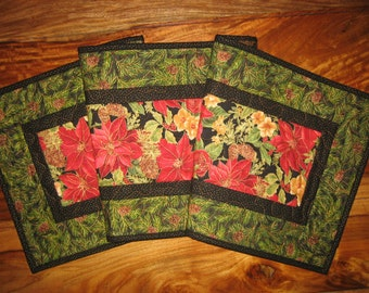 Christmas Table Runner, Red Poinsettias, Pine Cones and Flowers, Holiday Table Runner, Red Green Christmas, Reversible Tablerunner