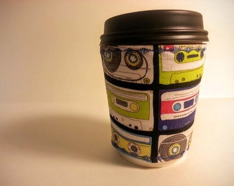 Cup cozy: mix tape!, reversible