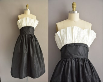 Victor Costa 50s inpisred black and white vintage party dress / vintage 1980s dress