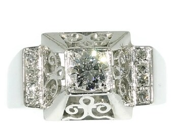 Summer Sale 1950s Diamond Platinum Ring Gallery Shoulders Decoration ref.14065-0101