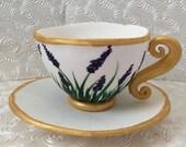 Edible tea cup cake topper