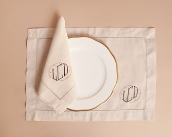 Hemstitched Natural Linen Dinner Napkins with Standard Monogram