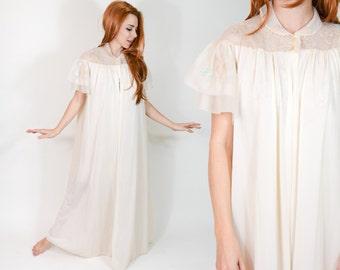 70s Ivory Peignoir Nightgown