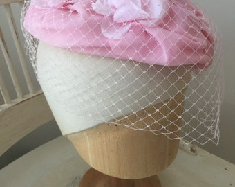 vintage 1960s 60s pink hat fascinator veil flowers 1950s 50s wedding prom