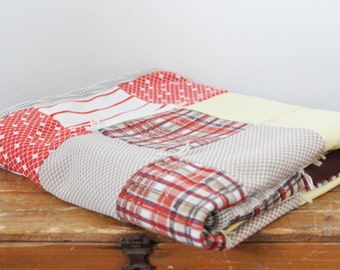 Vintage Polyester Patchwork Lap Quilt Retro Blanket 38 X 56