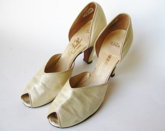 Vintage 40s Off White Cream Satin Peep Toe Bridal Slippers Wedding Day High Heels 8 N