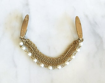 Vintage 50s 60s Gold Chain Pearl Cluster Sweater Clip