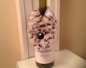 Faux fur wine stole
