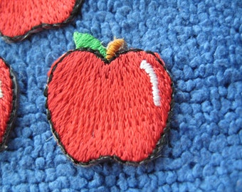 SALE~ 6 pcs Self-adhesvive/ Iron-on embroidered applique Apple 0.75 inch