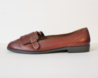Vintage 80s Brown FRINGE Loafers - Carriage Court Leather - Women 10M