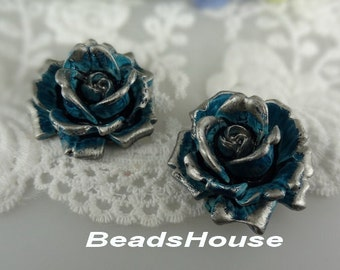 468-02100-CA 2pcs Natural Shape Big Rose Cabochons-Steel Blue with Silver Petals