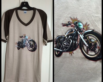 Vintage 1970's Suzuki Motorcycle Iron On print ringer T-shirt size XL Tan Brown V-neck flocked letters MSR
