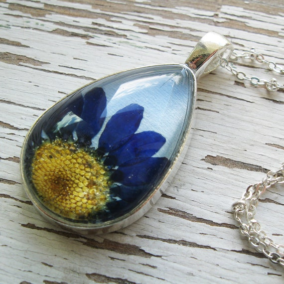 Real Pressed Flower Necklace - Blue Daisy Botanical Teardrop Necklace