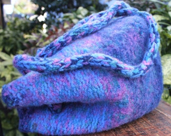 Vintage Hand Knit Felted Wool Bucket Bag Ombre Purple & Blue