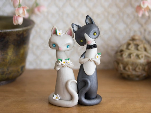 wedding cake topper with four cats cat wedding cake topper by bonjour poupette by bonjourpoupette 26662