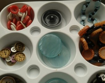 Vintage Buttons-Sewing Supply-Lot Button Jewelry for Crafting-Button Bracelets-Small Light Blue Large Button-Detash Button Collection