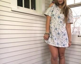 LOVE Sale Vintage mini DRESS,Size M to Xl jersey mini dress,hipster dress,festival dress,white dress, floral dress,free people,cut out dress