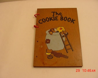 Vintage 1939 Cookbook The Cookie Book With Wood Covers  16 - 350