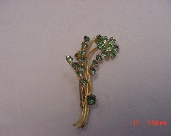 Vintage Green Rhinestone Brooch   16 - 489