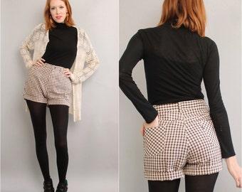 1970's High Waist Shorts / 70's Plaid Wrangler Shorts / Large
